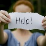 اگر کسی تهدید به خودکشی کرد، چه کار کنیم؟