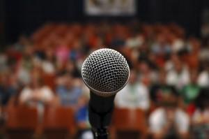 سخنرانی در جمع برای بسیاری می تواند اضطراب آور باشد