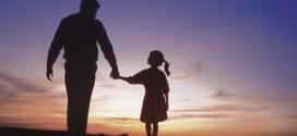 چند توصیه برای پدران در روش برخورد با دختران شان